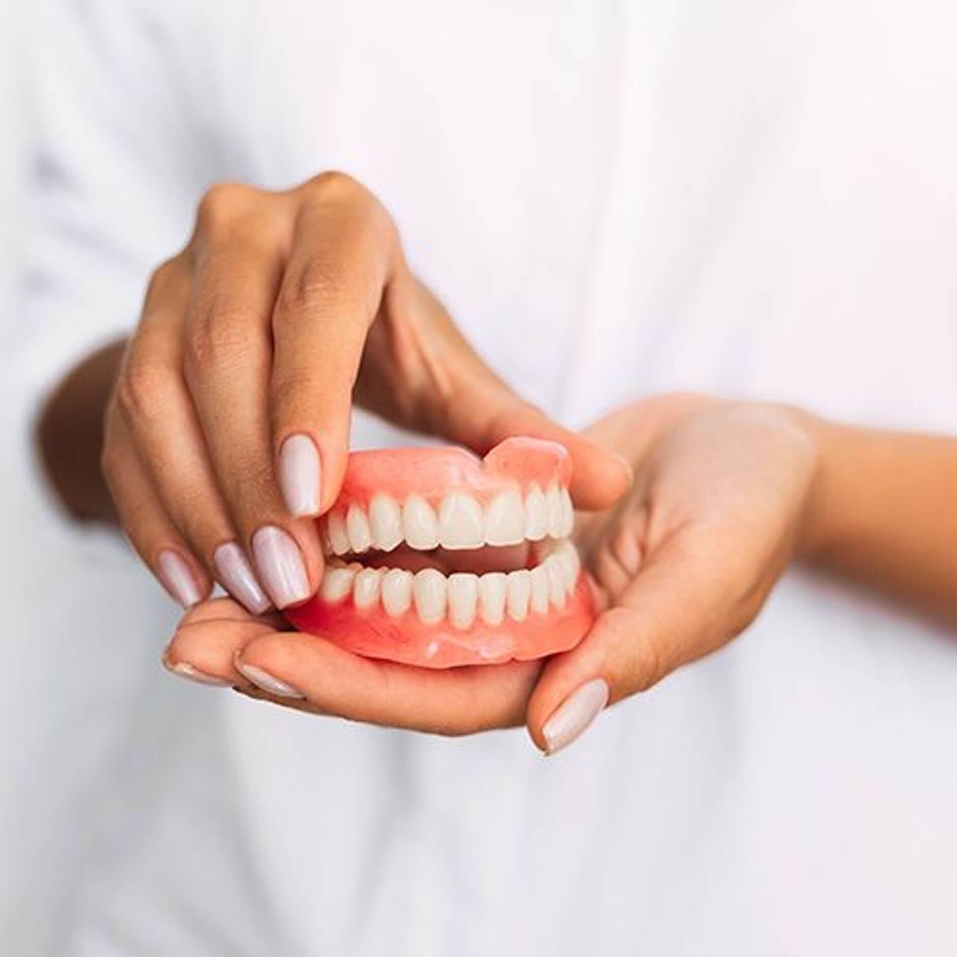 دندان مصنوعی و سالمندان