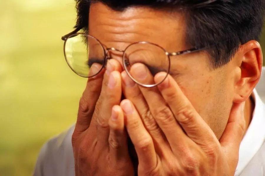 درد چشم و خشکی چشم در سالمندان