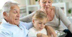ضرورت آموزش تکنولوژی به سالمندان