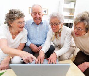 روش آموزش تکنولوژی به سالمندان