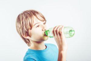 نوشیدن آب در سرخک