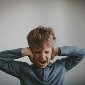 کودک حساس و صدای بلند