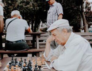 تمرینات ذهنی و تقویت حافظه سالمند