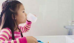 روش استفاده از دهانشویه در کودک