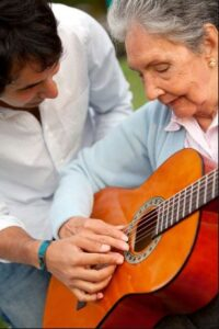 موسیقی درمانی در سالمندان