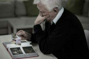انزوا در سالمندان و بیماری ها