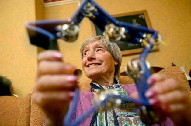 تنوع روش های موسیقی درمانی در سالمندان