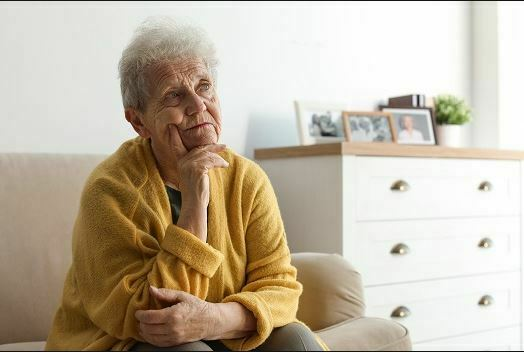انزوا در سالمندان و راهکارهای کاهش تاثیرات تنهایی بر سلامت جسم و روح سالمندان