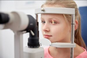 پیشگیری از تنبلی چشم کودکان
