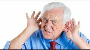 کم شنوایی باعث انزوا در سالمندان