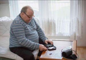 دلایل چاقی مفرط در سالمندان
