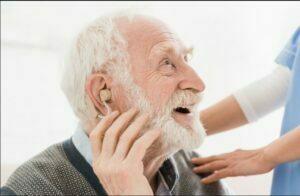 علایم كم شنوايي مرتبط با سن