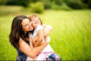 رابطه بغل کردن نوزاد و هوش