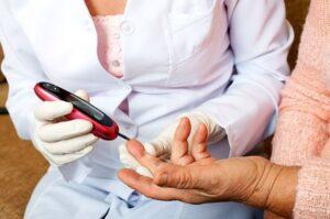 اثر دیابت بر دندان سالمندان
