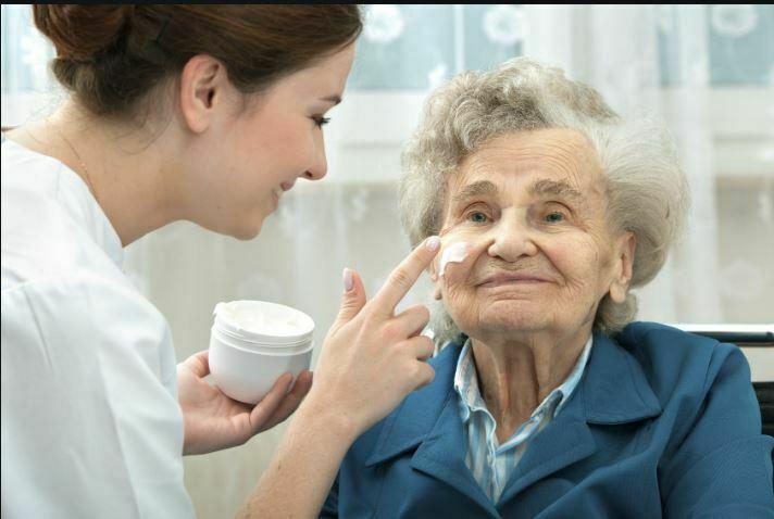 روش نظافت سالمند