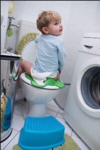 برعکس نشستن در توالت برای کاهش ترس از مدفوع در کودکان