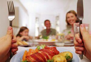 پرخوری و کاهش استرس در خانواده