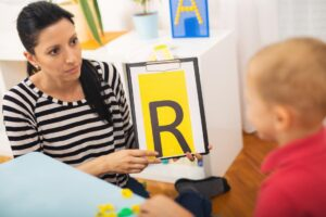 گفتار درمانی در کودکان با اختلال دوقطبی
