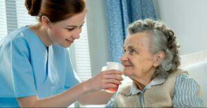 جبران کمبود آب بدن در سالمندان