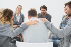 فواید گروه درمانی