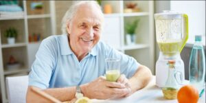 راههای تشخیص کمبود آب در سالمندان