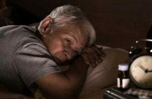 شناخت علایم اولیه ابتلا به پارکینسون در سالمندان