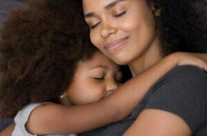 در آغوش کشیدن و احساس آرامش