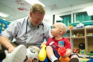 نشانه های سرطان خون در کودکان
