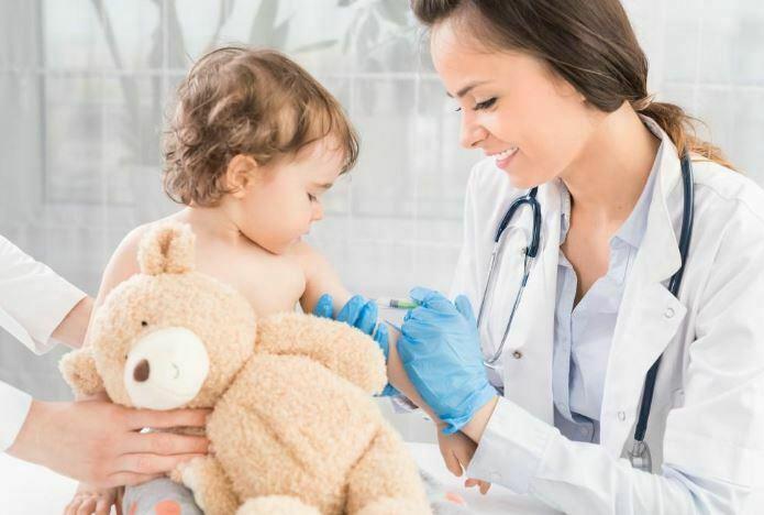 واکسن زدن به کودک