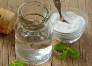 مزایای غرغره آب نمک برای سلامتی چیست؟