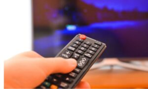 دلایل تماشای تلویزیون