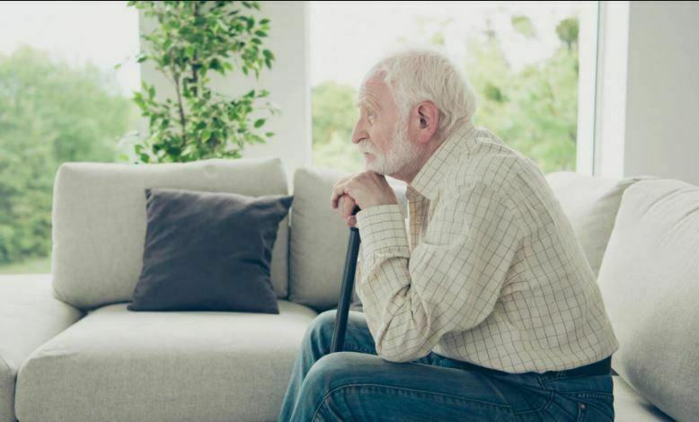 زندگی سالمندان در تنهایی