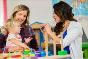 راههای برقراری ارتباط مستحکم بین والدین و فرزند