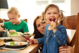 فواید غذا خوردن باخانواده