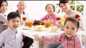 مزیت غذا خوردن با خانواده