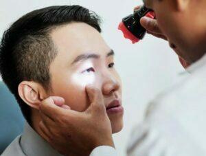علت ملانومای چشم