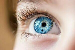 تشخیص ملانومای چشم