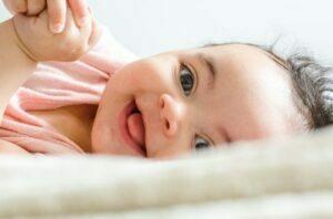 علایم لبخند نوزاد