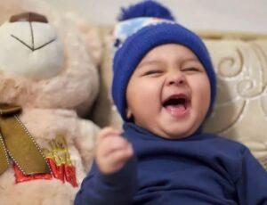 لبخند واقعی نوزاد